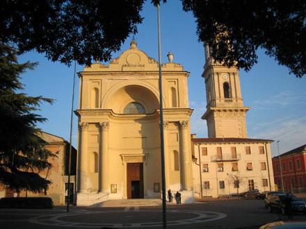 La facciata della Chiesa di Cadidavid